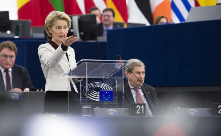 Ursula von der Leyen Eb-elnök az EU 2021-2027 közötti hosszú távú költségvetéséről szóló speciális európai csúcstalálkozó előtti vitán Strasbourgban. Fotó - Európai Parlament